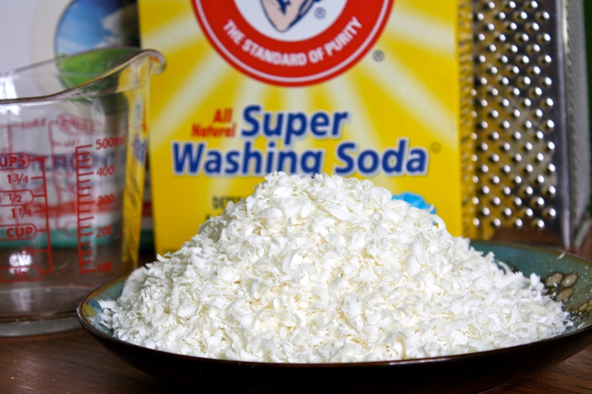 diy laundry detergent and dryer sheets