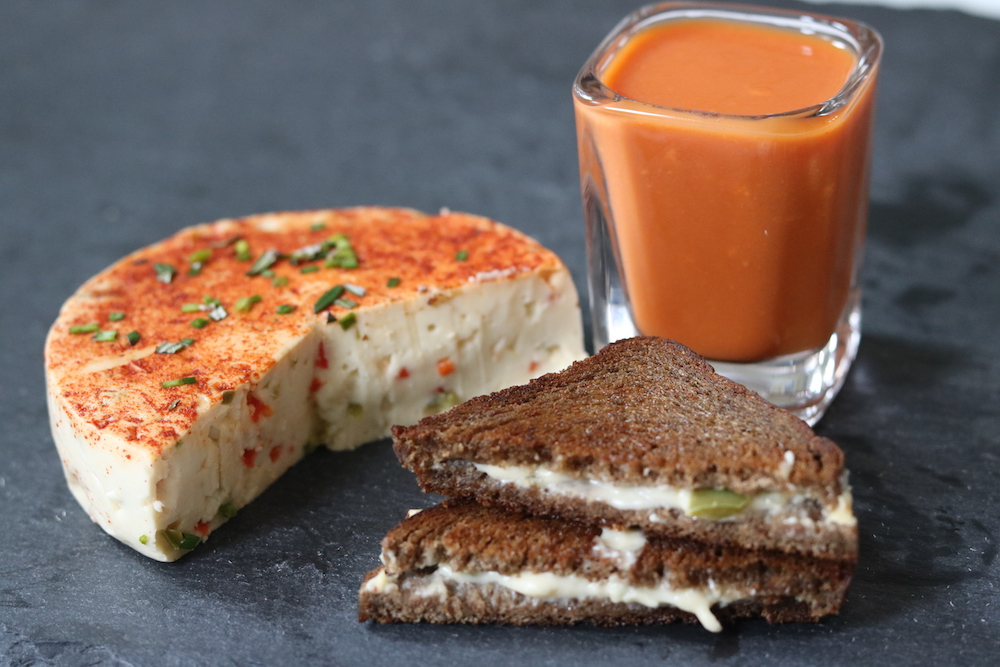 Vegan peper jack grilled cheese sandwich