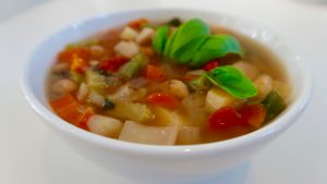 Healthy Hearty Minestrone soup