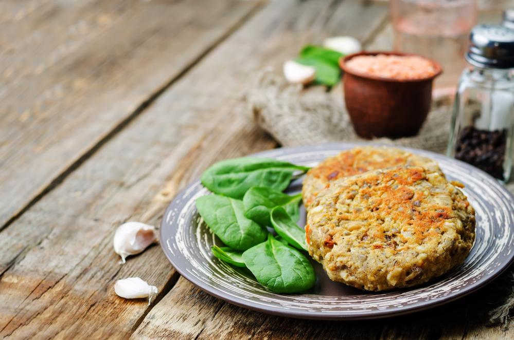 Red lentil and white bean burgers